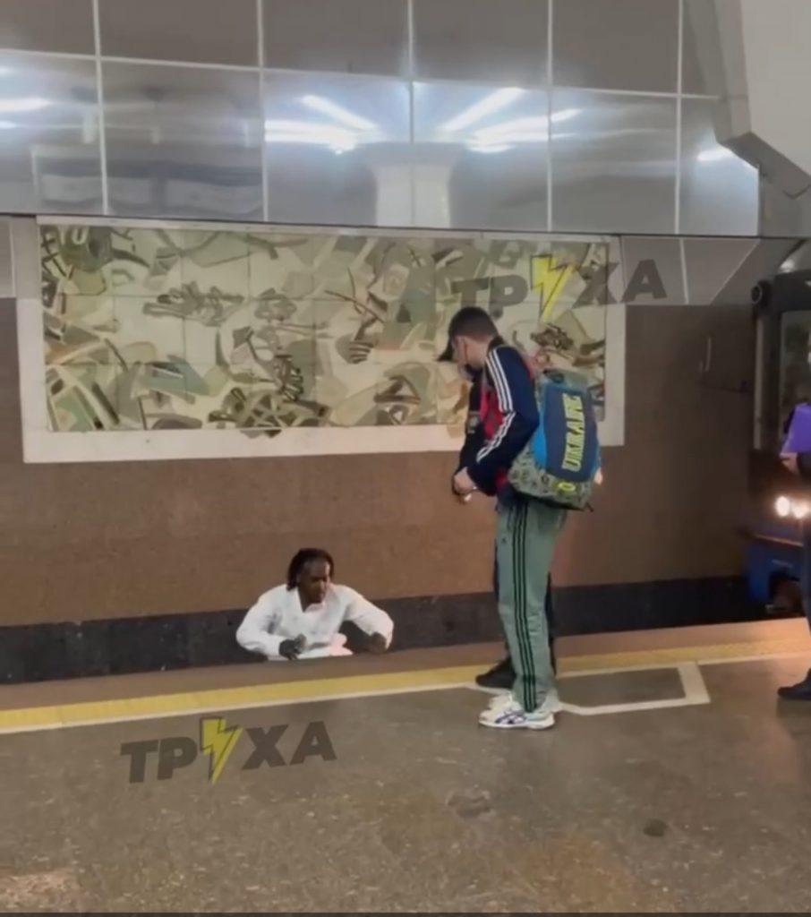 Новости Харькова: В метро пассажир бросился под поезд