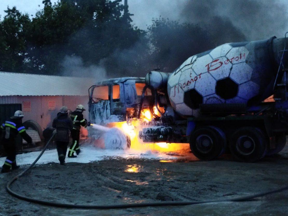 Новости Харьков: Вчера с утра до вечера пожарные тушили машины