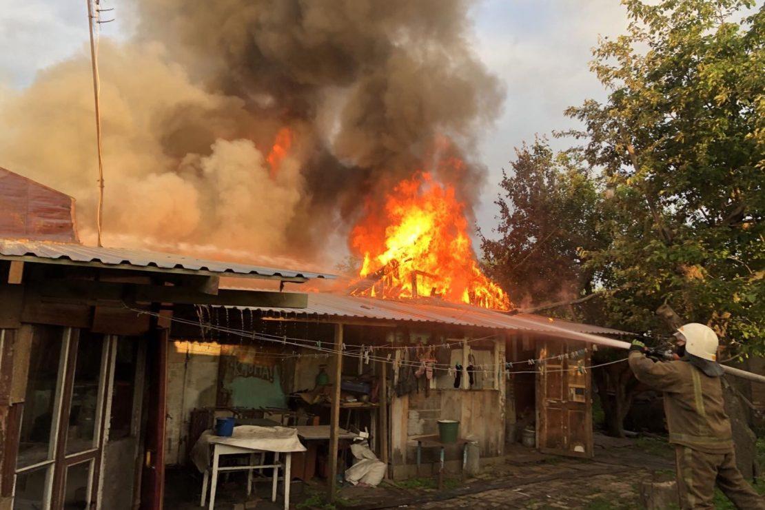 Новости Харькова: В поселке под Харьковом тушили крупный пожар