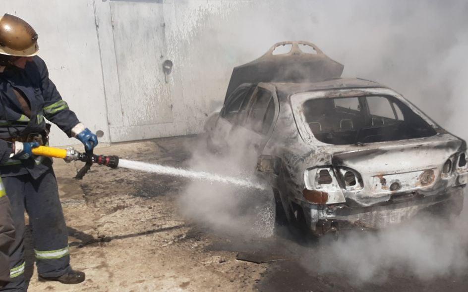 В Московском районе горел автомобиль. Новости Харькова
