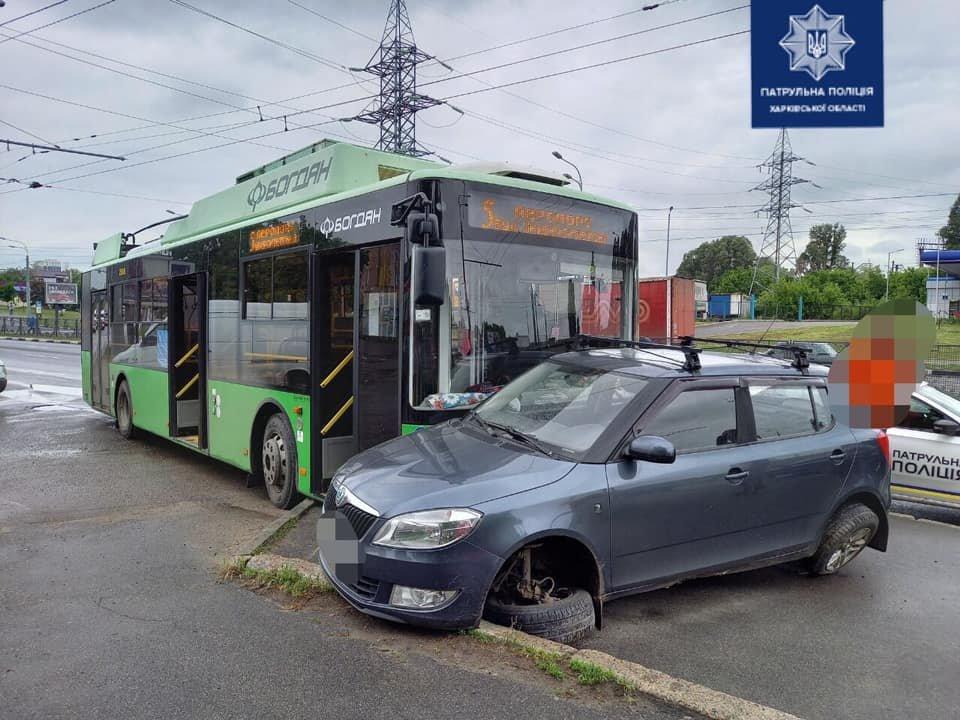 Новости Харькова: На проспекте Гагарина в троллейбус въехало авто