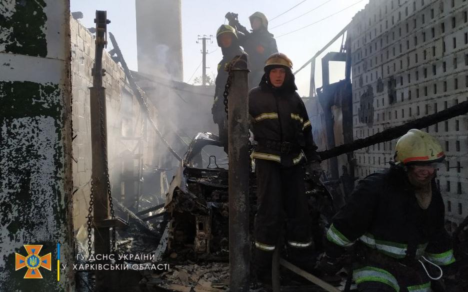 На Харьковщине сгорело СТО с авто внутри. Новости Харькова