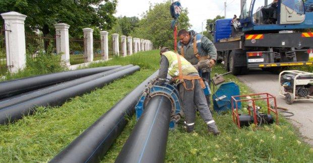 Новости Харькова: Старые трубы меняют на новые
