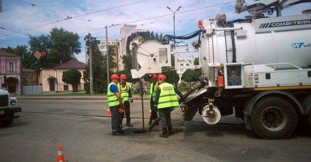 Новости Харькова: В городе прочищают канализационные сети