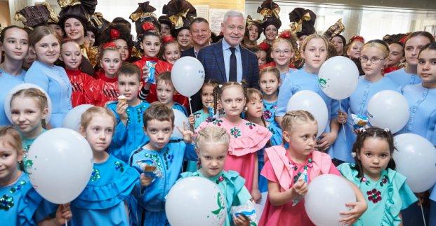 Новости Харькова: Игорь Терехов поздравил с праздником детей льготных категорий
