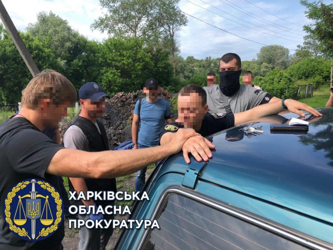 Полицейский вымогал взятку на Харьковщине. Новости Харькова