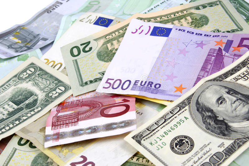 Новости Харькова: валюту можно покупать по безналу