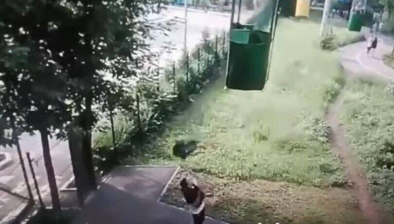Падение из канатки: пострадавший пришел в себя. Новости Харькова