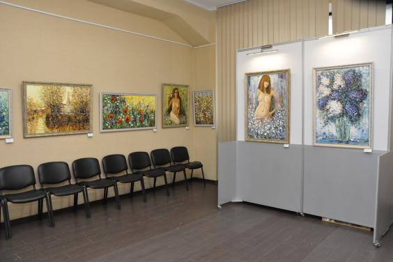 Новости Харькова:  Общение с авторами выставки «Дарю мастерство»