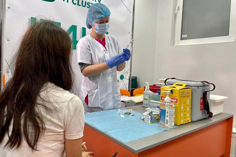 В Харькове уже три центра массовой вакцинации. Новости Харькова