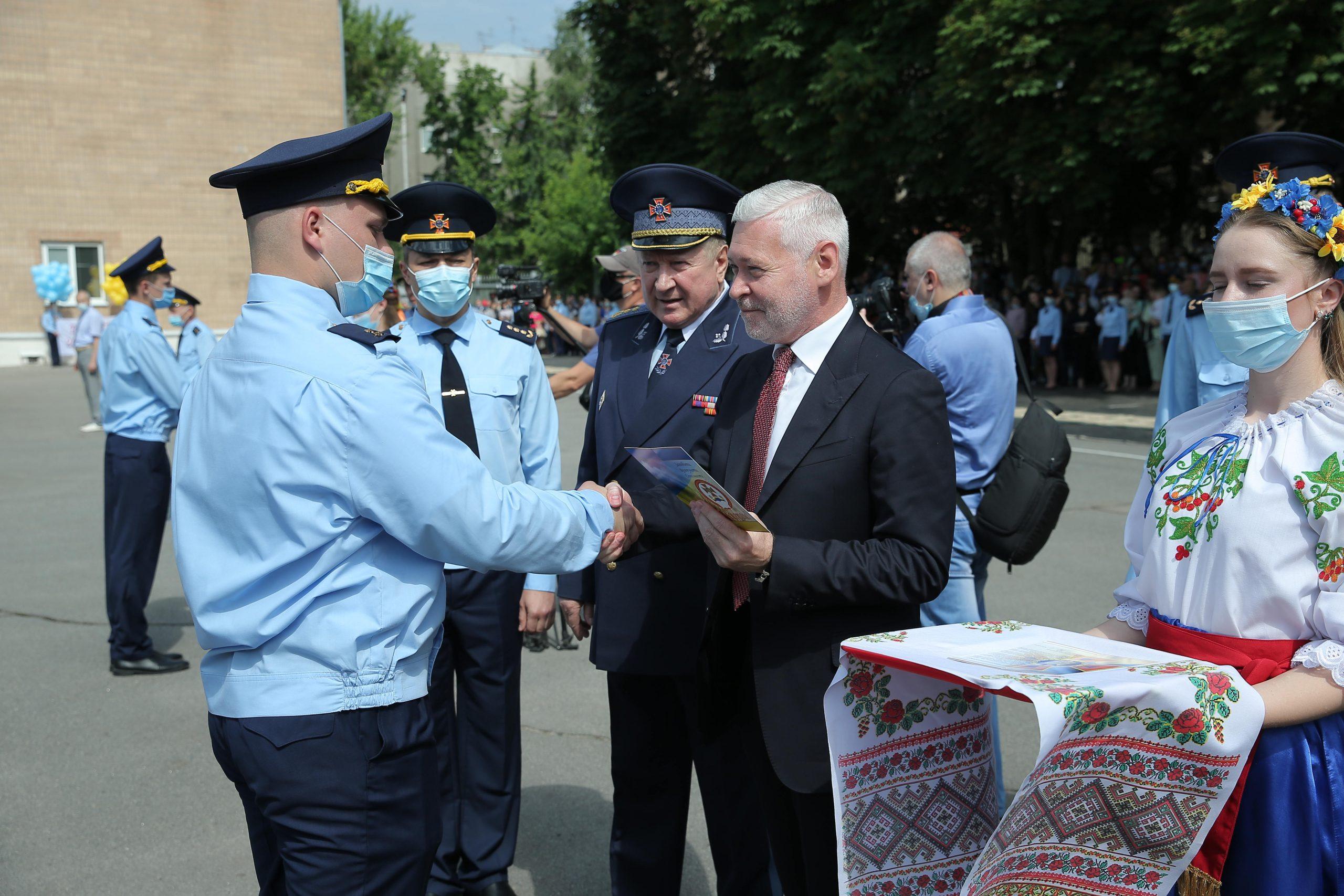 В Харькове - выпускной у спасателей. Новости Харькова