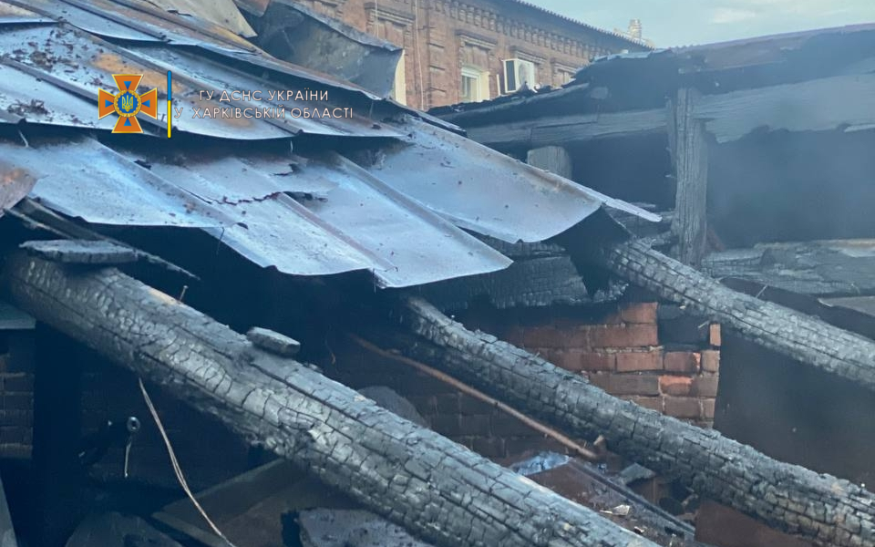 Пожар в Харькове: В Холодногорском районе загорелся частный дом