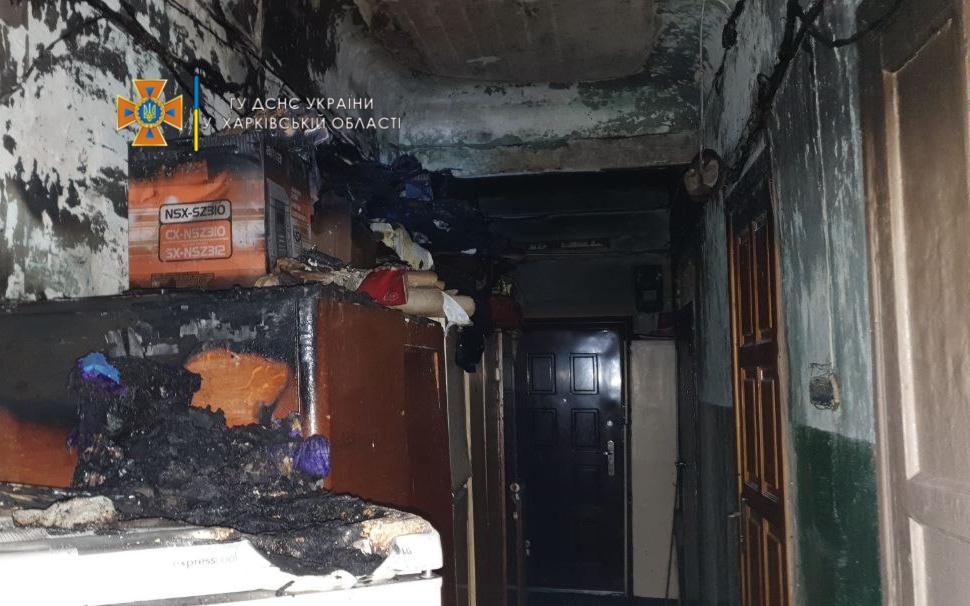 Пожар в Харькове: Горела четырехэтажка в Новобаварском районе