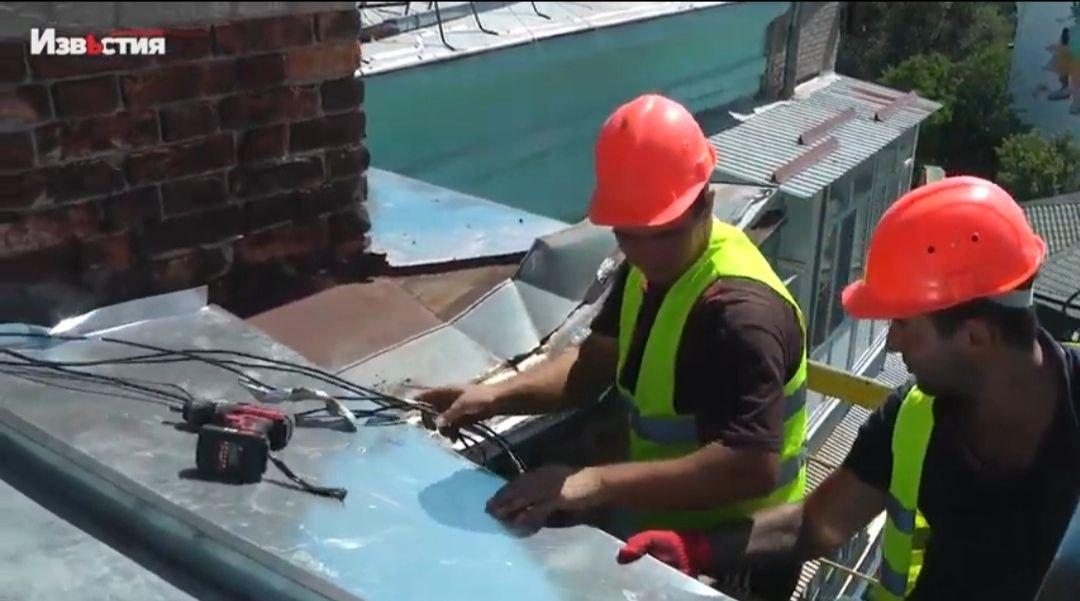 Новости Харькова: В Киевском районе ремонтируют шатровые кровли
