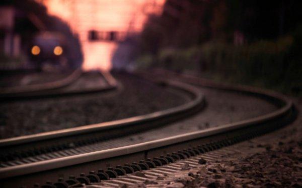 Новости Харькова: Гибель женщин под колесами поезда и авто