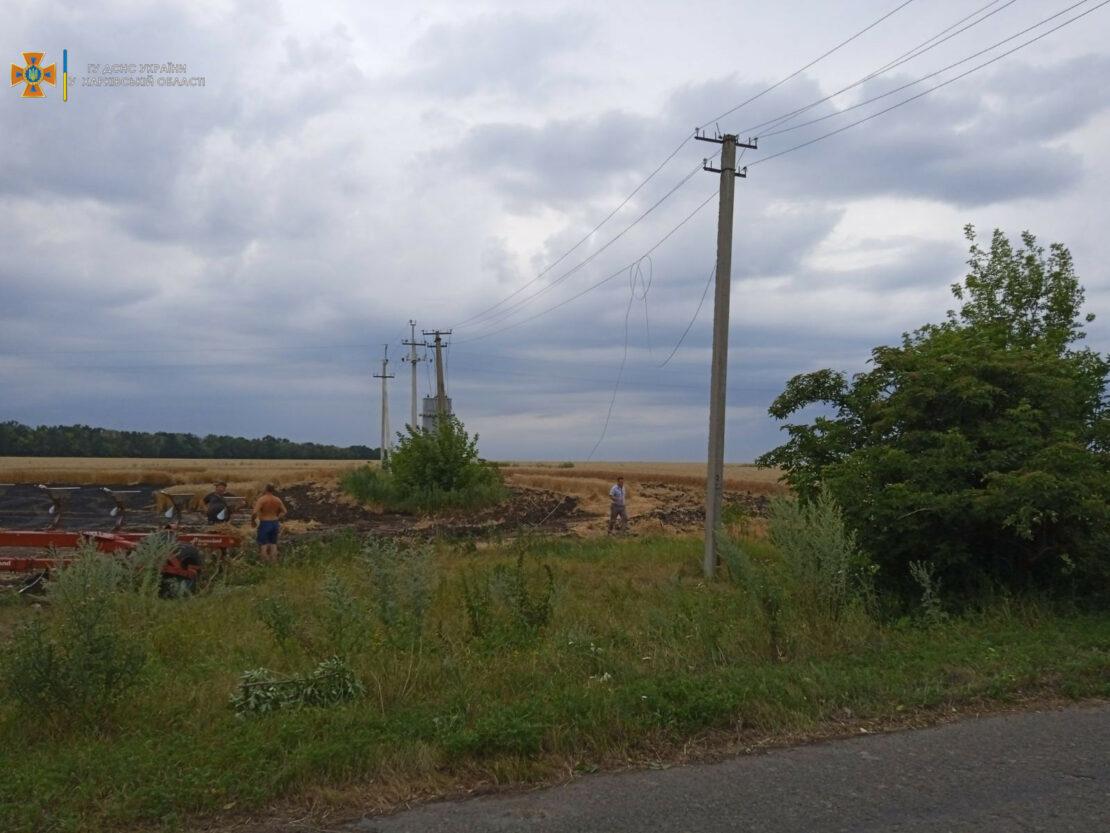 Новости Харькова: пожар на поле пшеницы в селе Ольховая