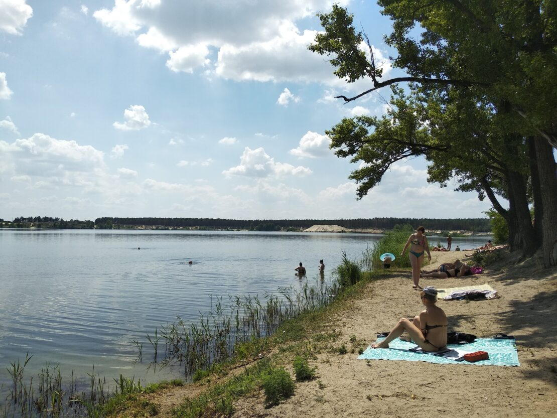 Новости Харькова: Закрыт для купания пляж на Основянском озере