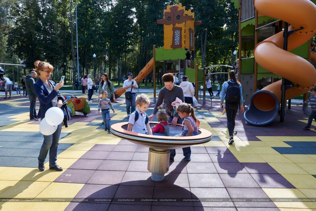 Новости Харькова: вандалы ломают детские площадки