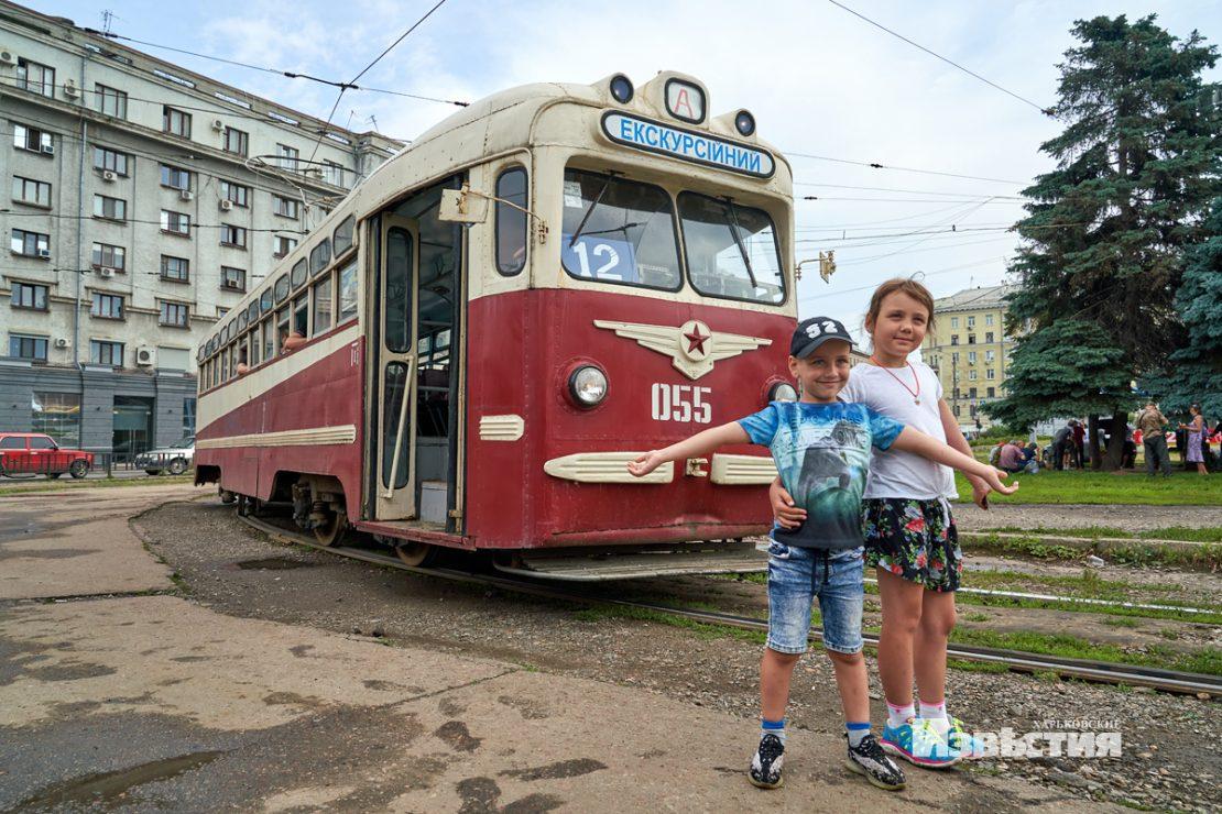 Новости Харькова: горожане прокатились в  ретро-трамвае