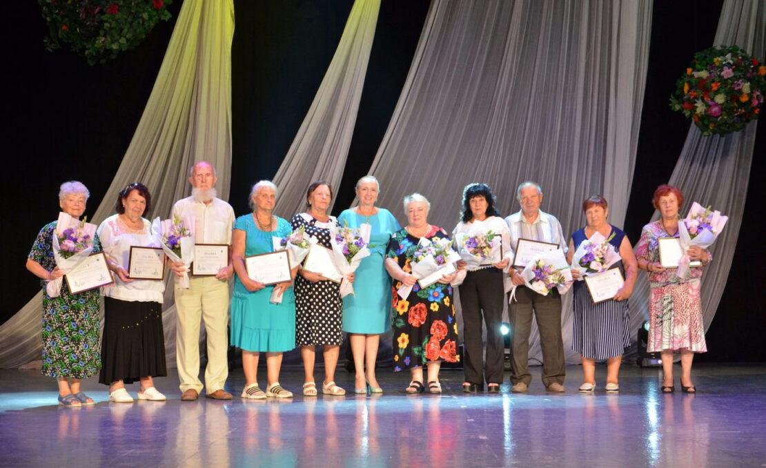 Новости Харькова: Ветеранов поздравили с Днем города концертом