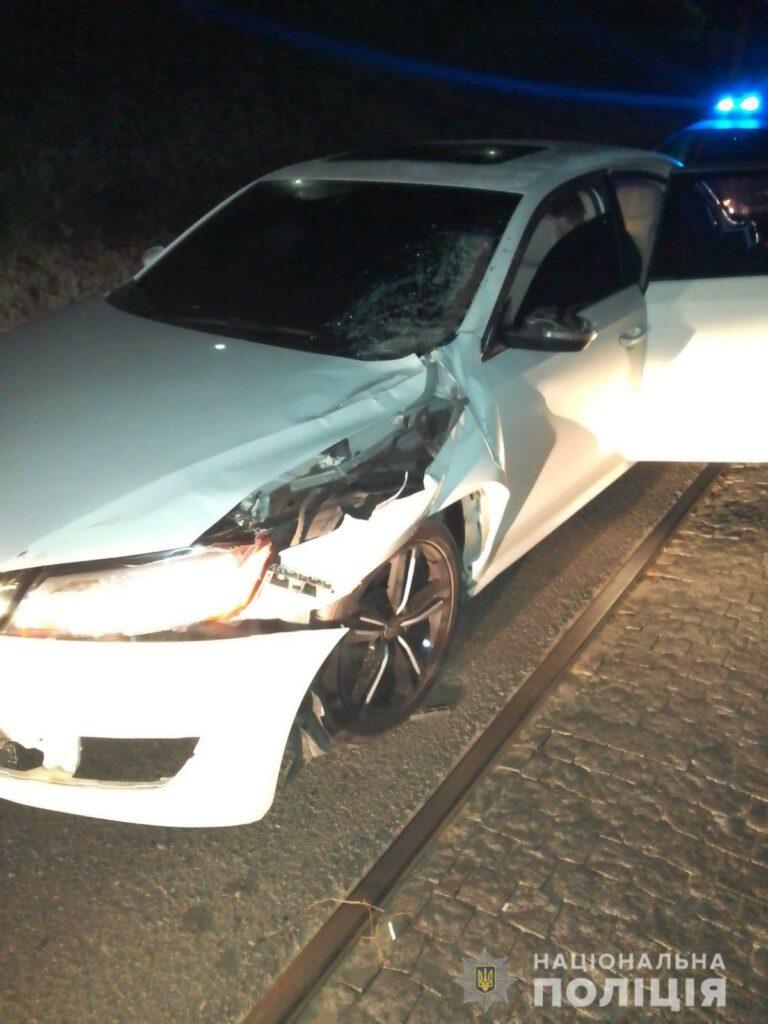 Новости Харькова:  иномарка сбила девушку на коне