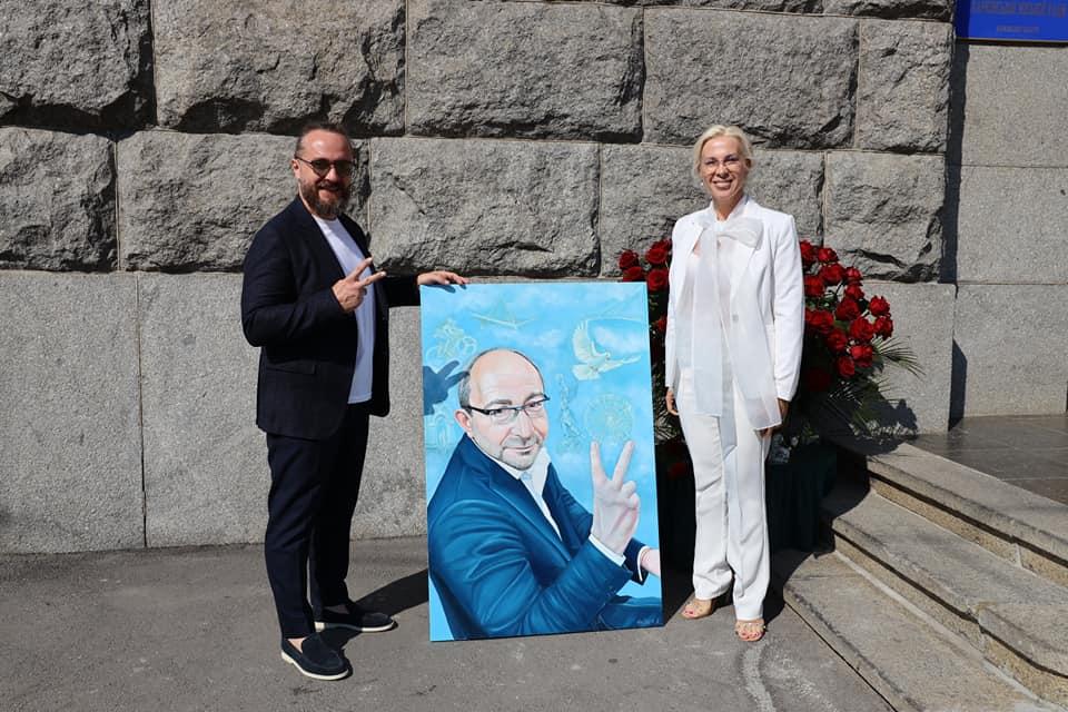 Новости Харькова: На аукционе продали картину с портретом Кернеса