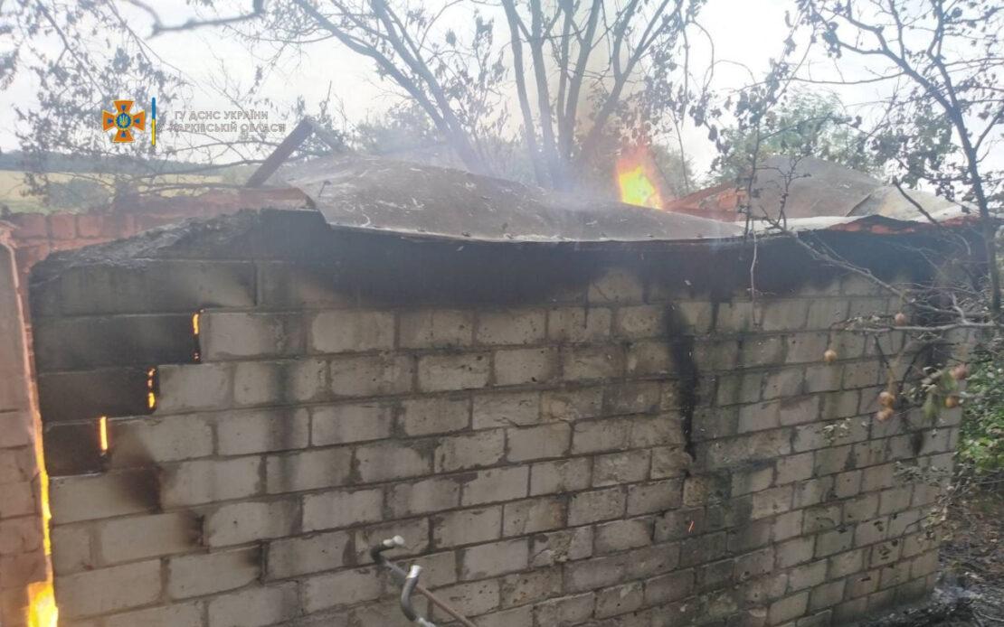 Пожар на Харьковщине: В Солоницевке нашли труп в сгоревшем доме