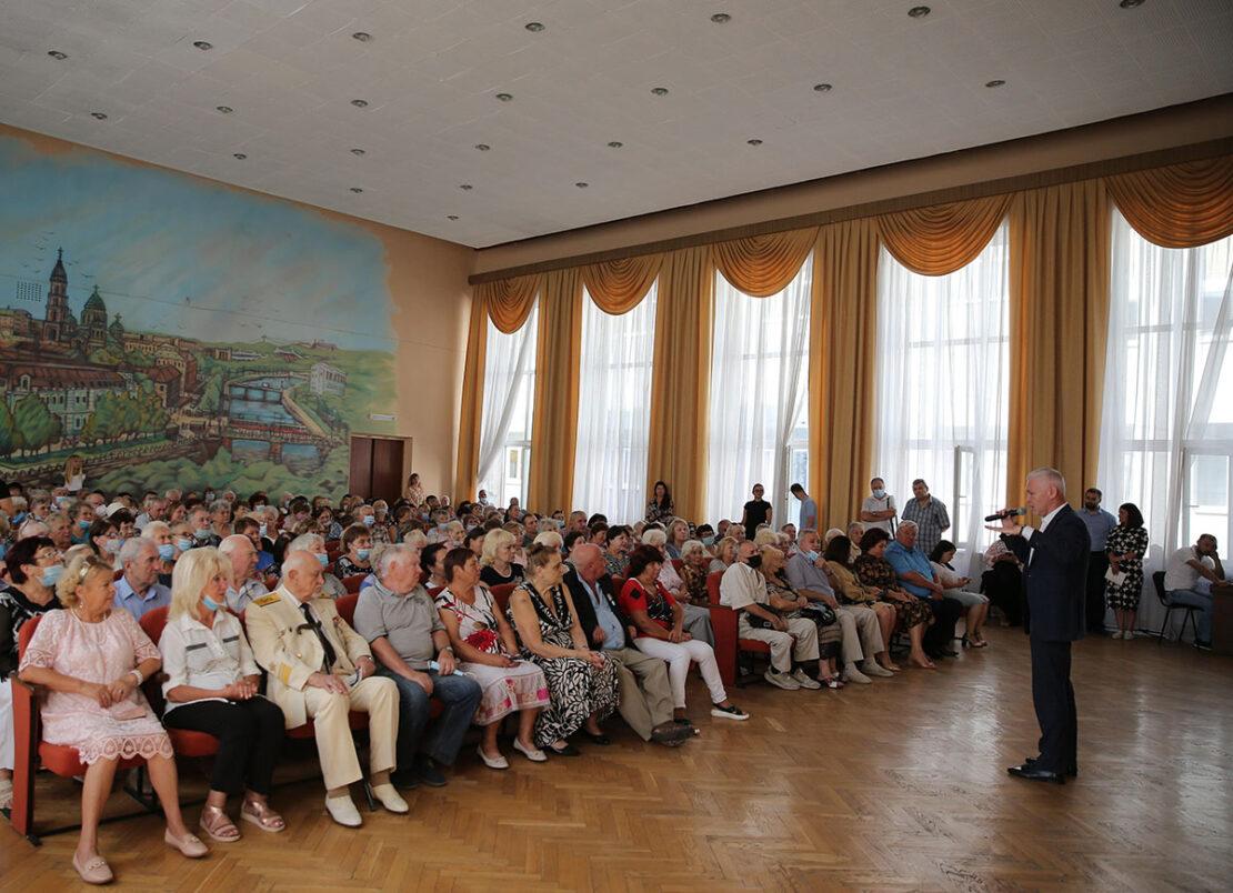Новости Харькова: Игорь Терехов пообещал сохранить льготы ветеранам