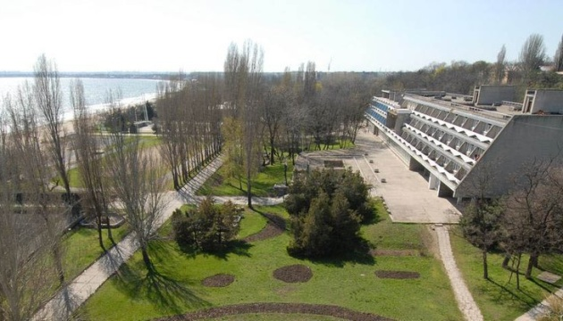 Харьковские школьники заболели COVID-19 в лагере в Одессе