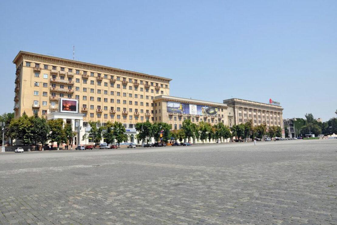 Новости Харькова: на площади Свободы ограничено движение