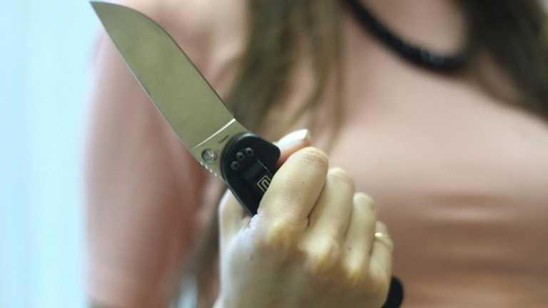 В Харьковской области женщина вонзила нож в сожителя