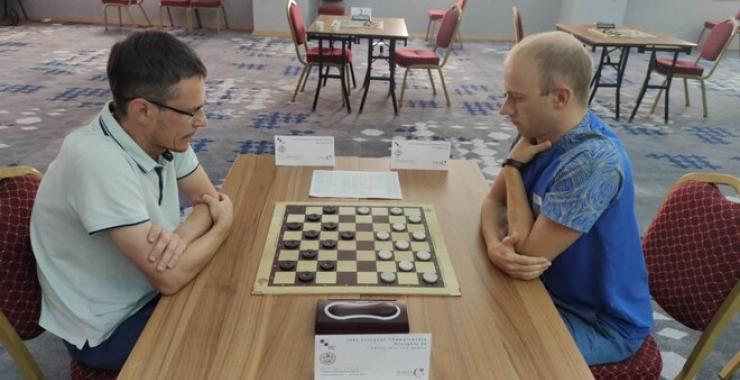 Харьковчанин Аникеев выиграл чемпионат Европы по шашкам-64.