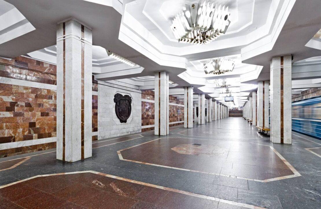 Новости Харькова: ЧП в метро: пассажир упал на рельсы