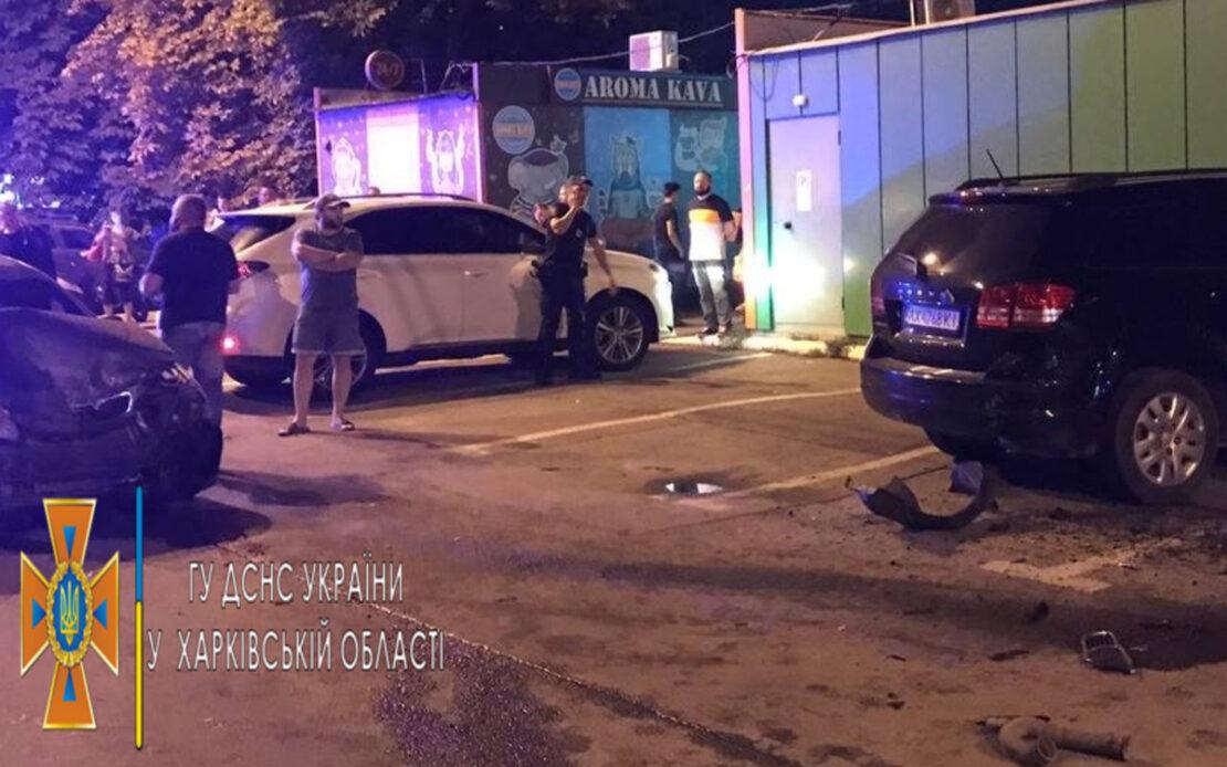 ДТП в Харькове: На Петра Григоренко столкнулись 4 автомобиля