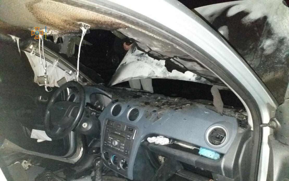 Пожар в Харькове: На улице Дружбы Народов сгорел автомобиль