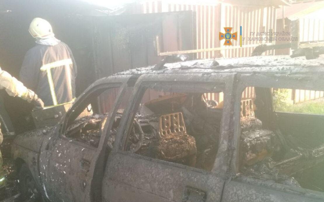 Пожар Харьков: Горел гараж на ул. Алексеевской, пострадал мужчина