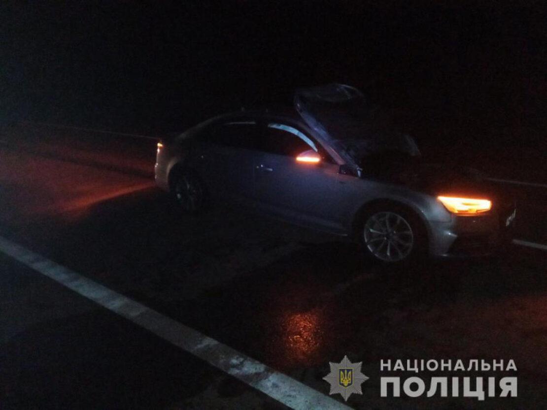 В Харьковской области автомобиль Audi насмерть сбил пешехода на автодороге «Харьков - Перещепино»