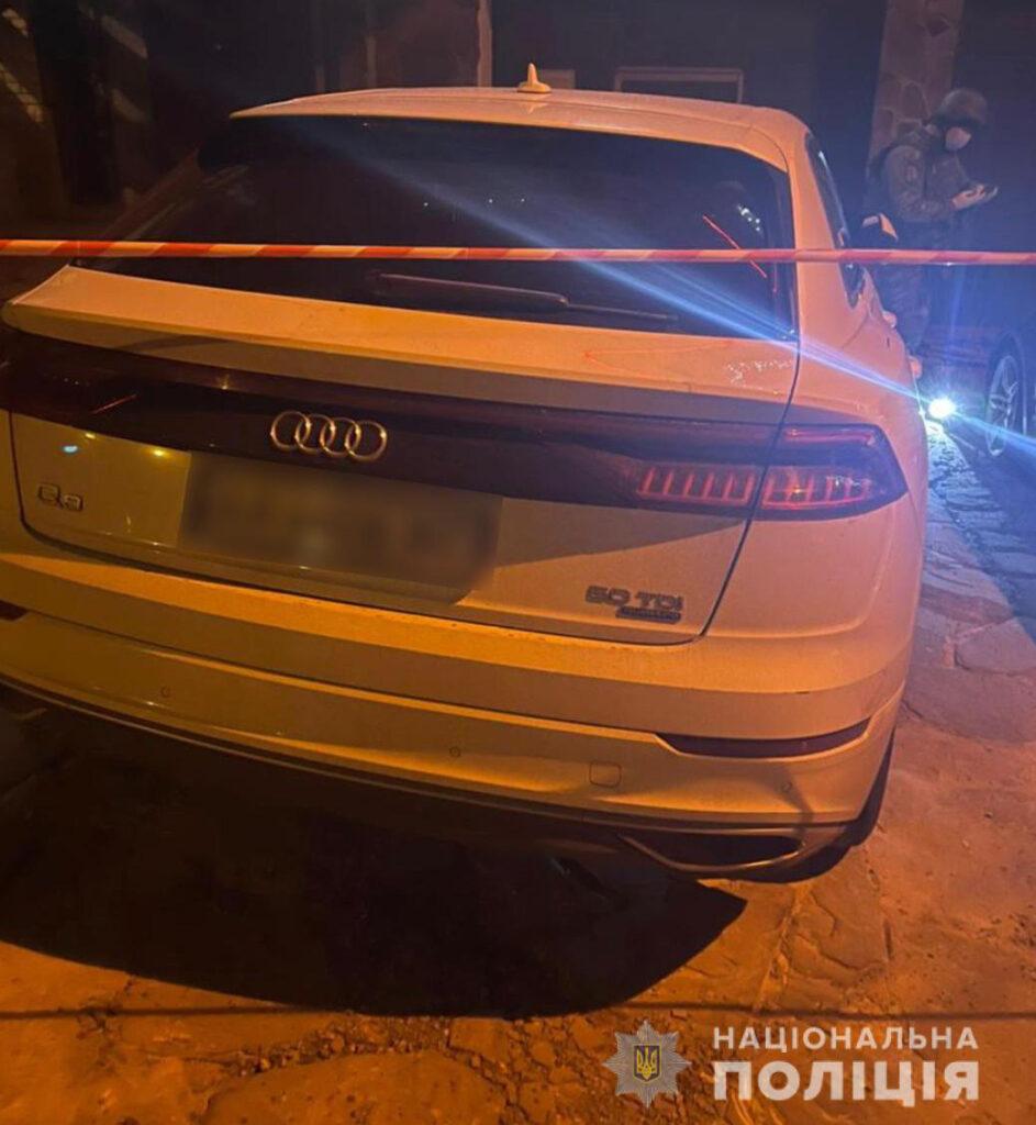 Граната на колесе машины в Харькове у ресторана на ул. Люсинской.