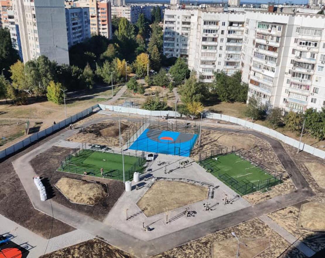 Строительство зоны отдыха на улице Родниковая, 9 в Харькове - фото
