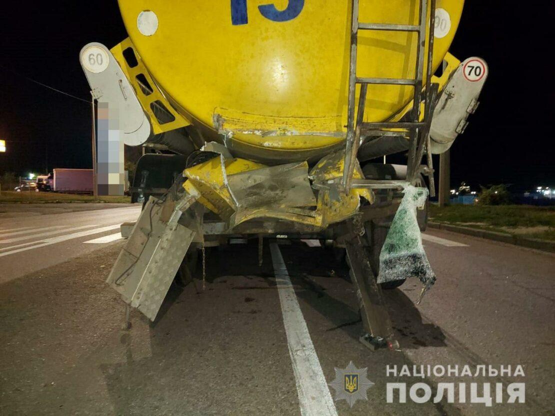 ДТП в Харькове: Lada Kalina влетела в бензовоз на проспекте Гагарина — погиб водитель легкового автомобиля