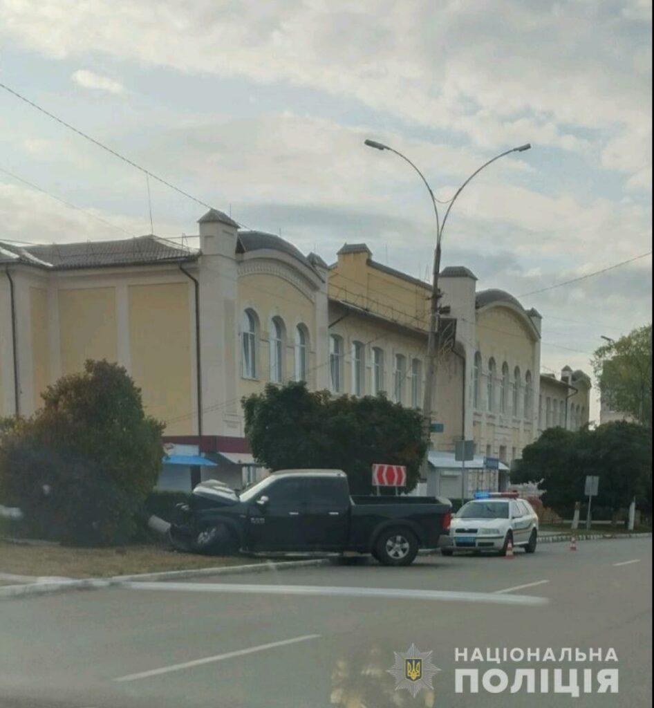 ДТП в Купянске: пьяный водитель влетел в дерево