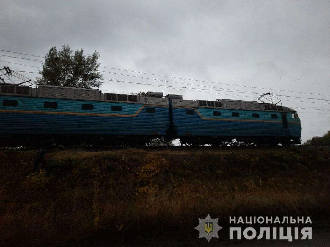 Пенсионерка погибла под колесами поезда на Харьковщине