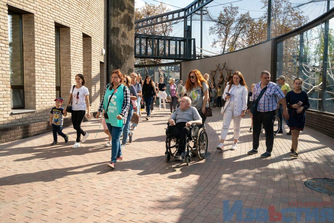 Новости Харькова: Инвалидов-колясочников пригласили в обновленный зоопарк на экскурсию