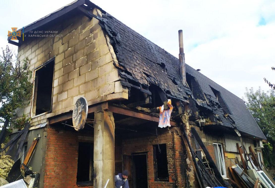 Пожар в Харькове: В переулке Балаклейском, 15 горел двухэтажный дом, пострадал мужчина