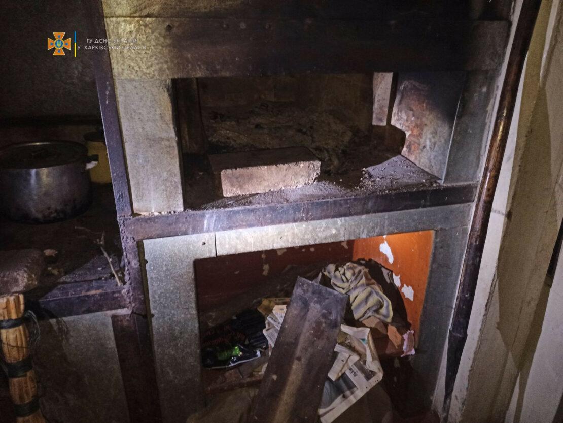 Пожар на Харьковщине: в селе Петропавловка загорелась крыша дома из-за печки