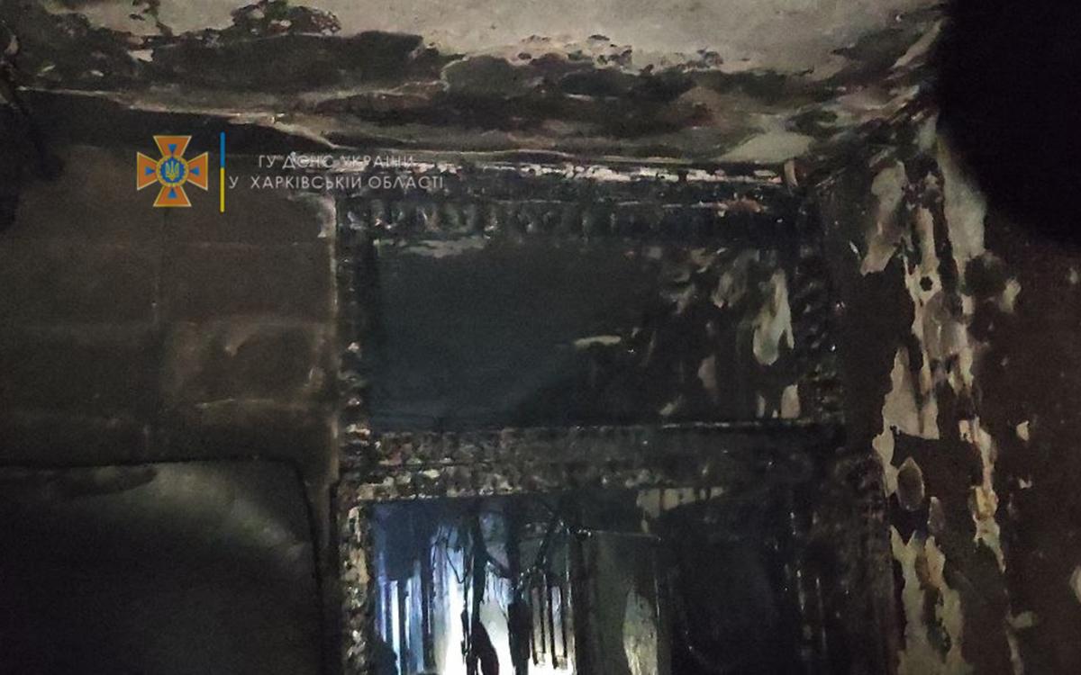 Пожар Харьков: На улице Гарибальди, 2 горели электрощиты, людей эвакуировали