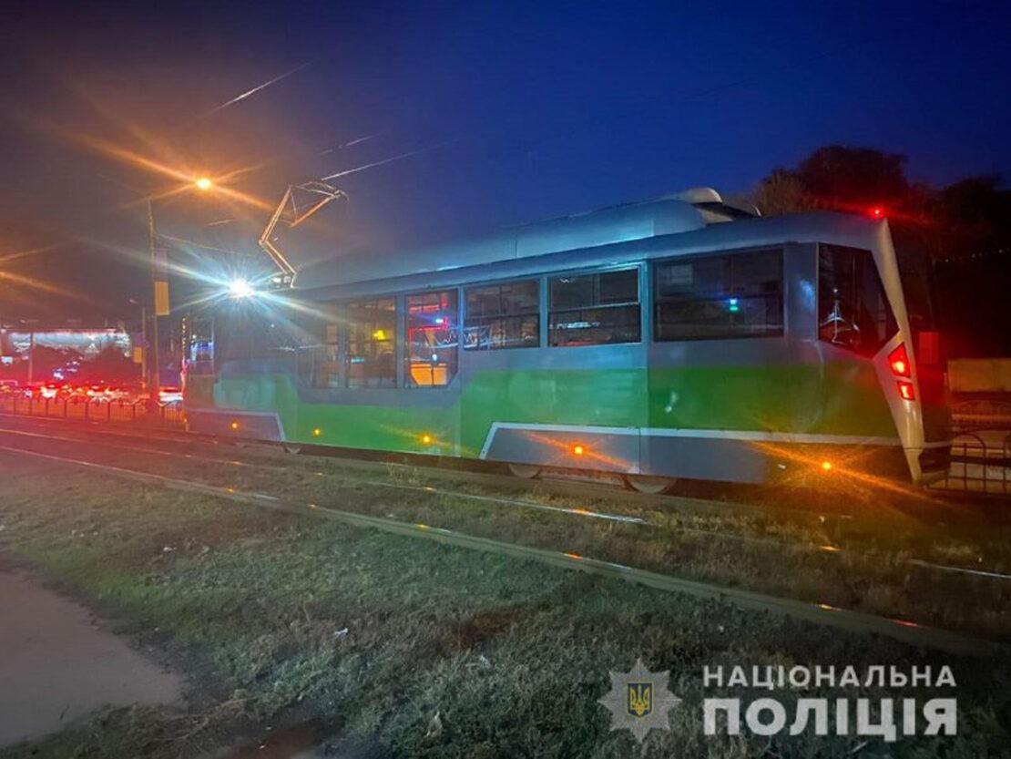 Парень в наушниках попал под трамвай на Академика Павлова 30.09.2021. ДТП в Харькове