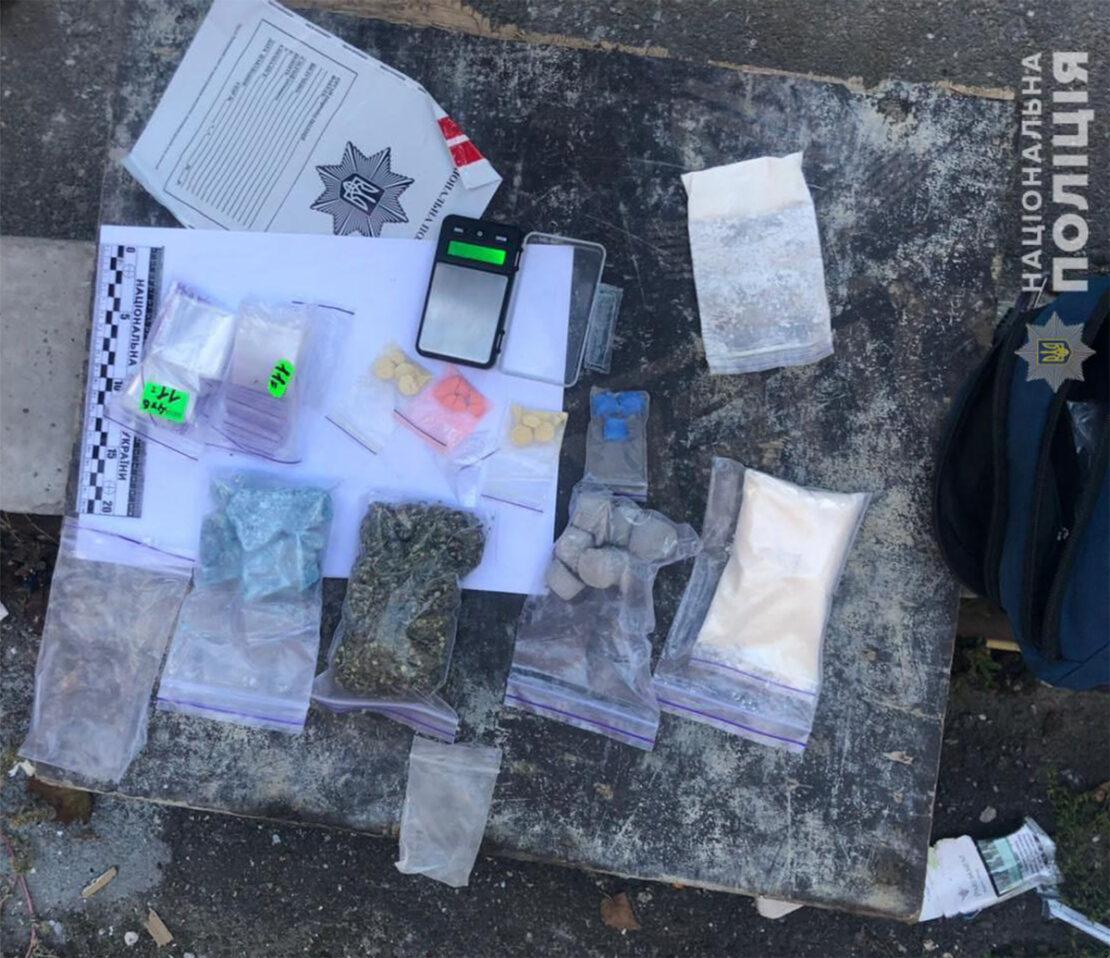 Наркотики в Харькове: В Холодногорском районе задержан мультизакладчик - все виды наркотика