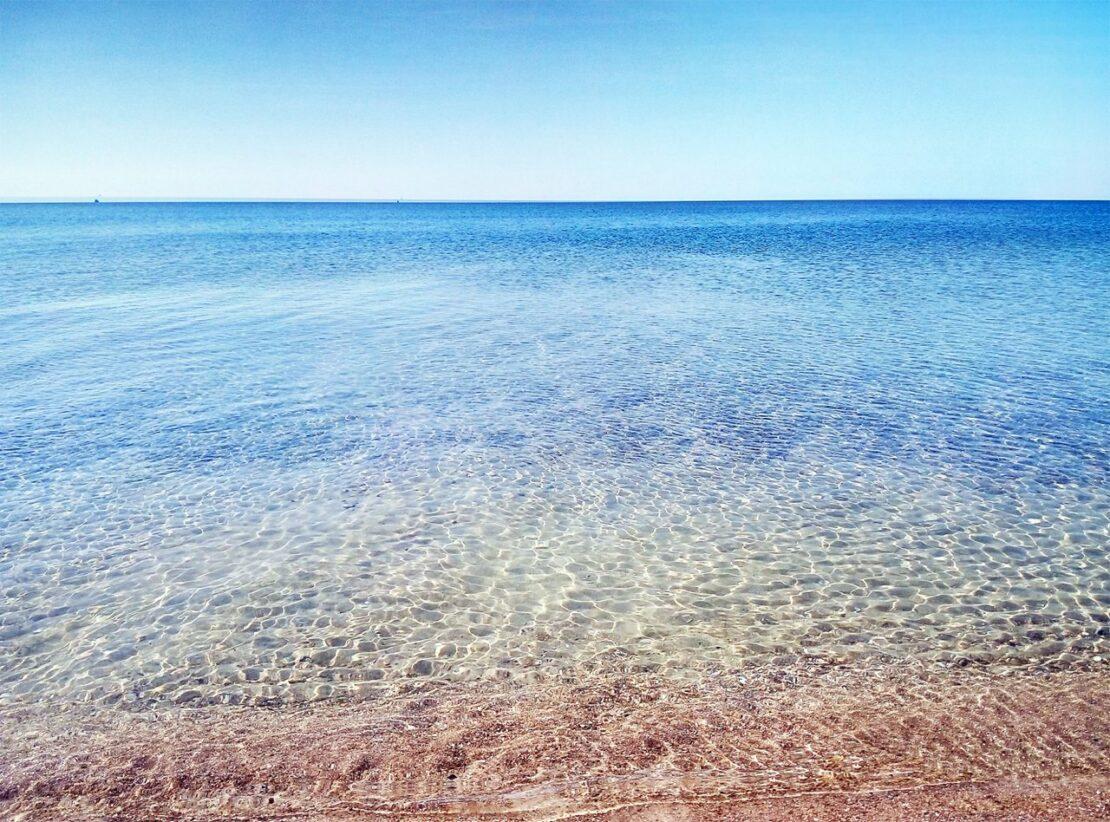 Азовское море без медуз: Счастливцево, Стрелковое и Урзуф